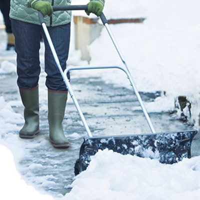 タイヤ付き除雪機